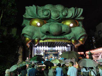 難波八阪神社の獅子舞台