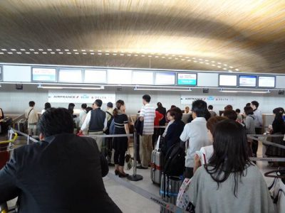 CDG空港のJALカウンター