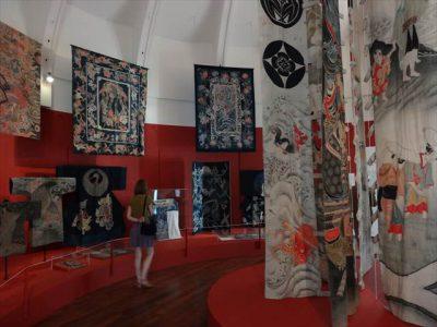 ギメ東洋美術館の企画展「筒描き」