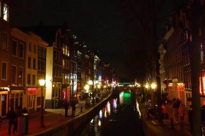 アムステルダムの飾り窓地区