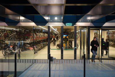 デルフト駅の巨大な自転車置き場
