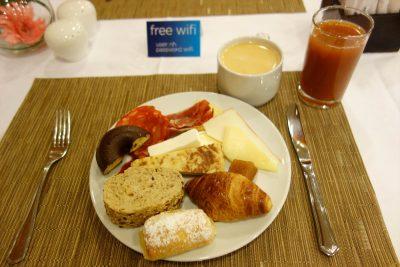 ホテルでの朝食その1