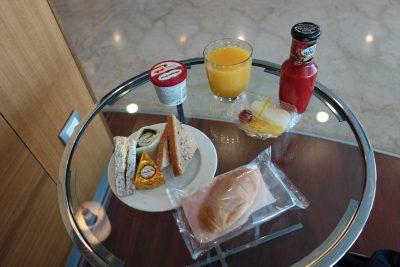 イベリア航空ラウンジでの食事その1