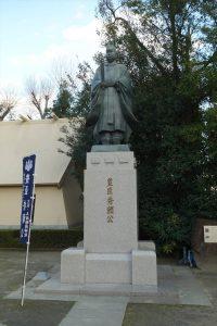玉造稲荷神社の豊臣秀頼像