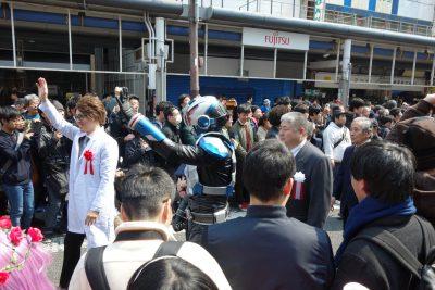 ストフェスのパレード(先頭は吉村市長)