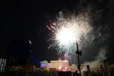 天神祭の企業提供の花火