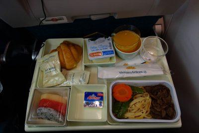 VN330便の食事